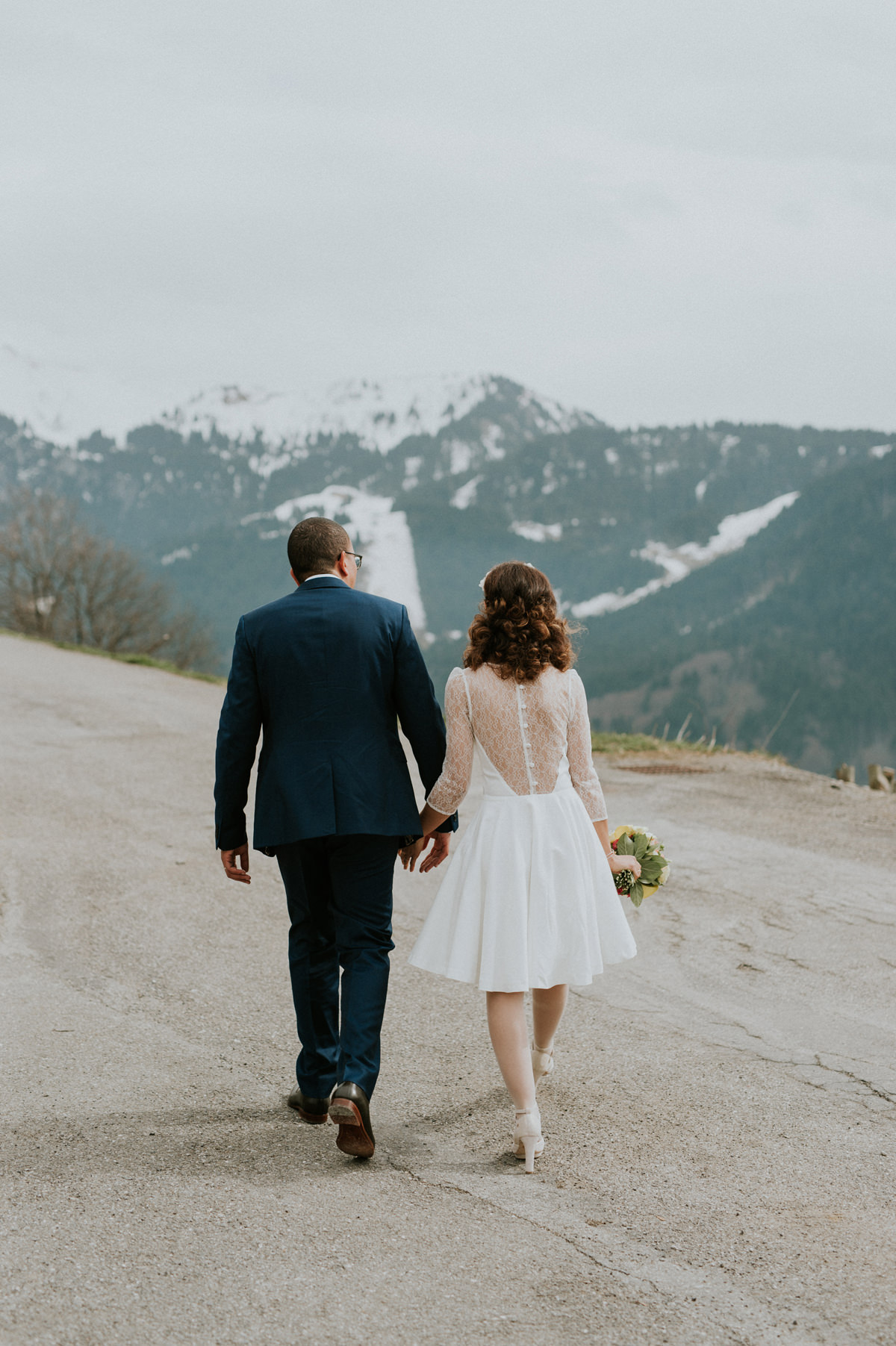 moutains wedding hiking engagement session